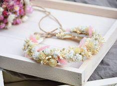 """Polubienia: 84, komentarze: 0 – PROJEKT WIANKI (@projekt_wianki) na Instagramie: """"Chyba najbardziej lubię te misterne, drobne wianuszki. Zdecydowanie przy nich spędzam najwięcej…"""" Baby Flower Crown, Little Babies, Dried Flowers, Beautiful Flowers, Bridesmaid, Instagram, Jewelry, Maid Of Honour, Flower Preservation"""