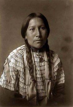 Native-American-Woman by Adam Garcia1, via Flickr