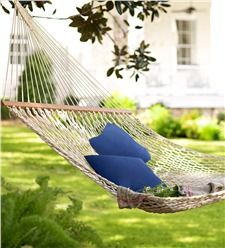 Spend the afternoon on a hammock | Plow & Hearth