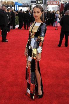 Alicia Vikander en robe Louis Vuitton