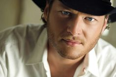 It ain't easy bein' me (+playlist) Blake Shelton Baby, Blake Sheldon, Red Nose, Celebs, Celebrities, Celebrity Crush, Country Music, Crushes, Face