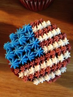 Dominique's Sweets: 4th of July Cupcakes - Olympic cupcakes