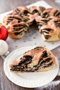 Drożdżowa gwiazda z makiem Ethnic Recipes, Cakes, Food, Kitchens, Drinks, Poppy Seed Recipes, Polish Food Recipes, Poppy Seed Cake, Oven