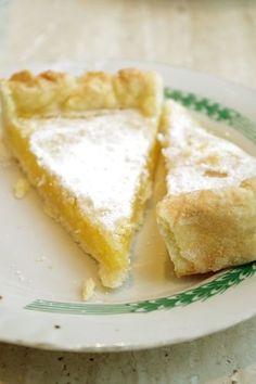 Безумно вкусный лимонный пирог от замечательной Раниranja (спасибоооо!) который в моей семье произвел настоящий фурор! Егор, не отходя от стола, умял куска три, Маша…