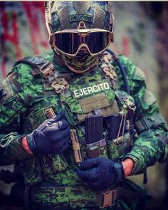 Mexican Army, Us Navy Seals, Military Special Forces, Tactical Equipment, Special Ops, Swat, Armed Forces, New Outfits, Marines