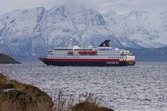 Hurtigruten Coastal Ferry by Bruce Tuten. Creative Commons Attribution Licence