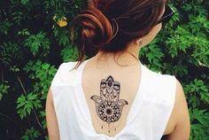 Tatuajes de la Mano de Fátima o Hamsa, significado y carácter místico - http://www.tatuantes.com/tatuajes-de-la-mano-de-fatima-hamsa/