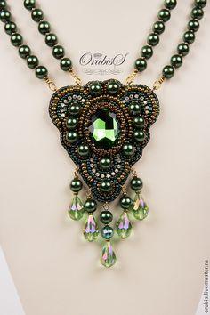Купить Emerald - болотный, колье, браслет, украшения ручной работы, зелёный, стразы стекло