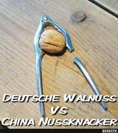 Deutsche Walnuss vs China Nussknacker | Lustige Bilder, Sprüche, Witze, echt lustig Good Jokes, Funny Jokes, Hilarious, Starwars, Cosplay Anime, Really Funny, I Laughed, Haha, Funny Pictures