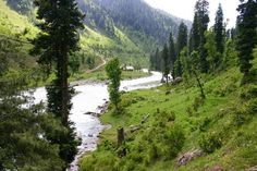 #Pahalgam, one of the most beautiful destinations famous for its three main sites Chandanwari, Betaab Valley, and Aru valley is another best place for couples in Kashmir. Honeymooners can go for pony ride in the evening and explore the unrivalled charm of the valley togther.