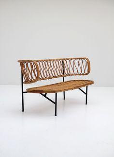 Rattan settee from Dirk van Sliedregt 1956 - City-furniture.be Design City Furniture, Outdoor Furniture, Outdoor Decor, Settee, Rattan, Bench, Van, Sofa, Garden