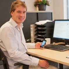 Erik Gruiters (beheerder van dit account) is een tweedejaars Marketing & Communicatie student uit Sliedrecht. Werkt Parttime bij PPM Werkt, en houdt zich bezig met Social Media, interne marketing en sales support.