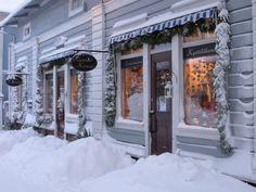 Finnland Porvoo - eine halbe Stunde von Helsinki Helsinki, Winter Scenes, All Over The World, Drums, Scandinavian, Beautiful Places, Wanderlust, Romantic, Seasons