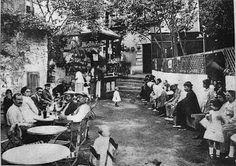 Barcelona: Una fuente y una pista de baile en Poble Sec Fuente d´en Conna a principios de 1900 Principis del 1900