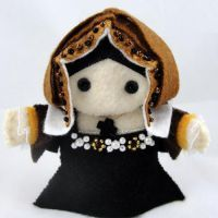 Catherine of Aragon Felt Doll -- plus Henry and all the wives. These are amazing and adorable!