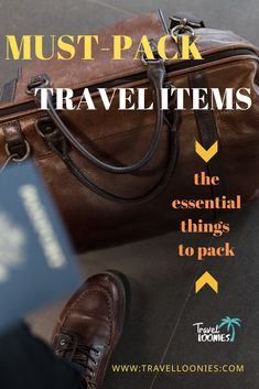Ultimate holiday packing list with the essential travel items to make your vacation packing easier. These are the most important things to pack when planning a holiday. Holiday Packing Lists, Vacation Packing, Packing Tips, Travel Packing, Travel Hacks, Backpack Essentials, Travel Essentials, Ultimate Packing List, European Travel Tips