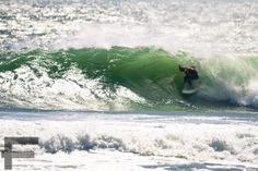Tubewave, Melkbosstrand living up to it's name Surfing Images, Sea And Ocean, Beach Fun, Beach Resorts, Beaches, Around The Worlds, Waves, Mountains, Heart