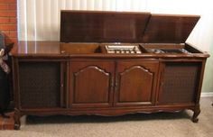 $900.....Vintage 1967 Fisher Executive Stereo Console w/ Turntable Radio Tape Player Mint (03/12/2013)