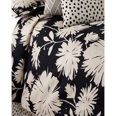Legacy Queen Daisyfield Duvet Cover (3,335 MYR) ❤ liked on Polyvore featuring home, bed & bath, bedding, duvet covers, black, queen bedding, bed linens, queen bed linens, linen bedding and floral queen bedding