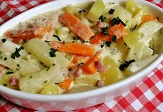 One Pot Meals, Cheeseburger Chowder, Potato Salad, Bacon, Food And Drink, Soup, Potatoes, Cooking, Ethnic Recipes
