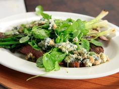 Paprika Flank Steak with Watercress; sliced steak with grilled scallions, watercress, and blue cheese crumbles. Flank Steak Salad, Nice To Meat You, Watercress Recipes, Rachel Ray Recipes, Beef Steak Recipes, Pork Ham, Pork Dishes, Food For Thought, Food Network Recipes