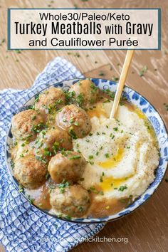 Turkey Meatballs with Gravy and Cauliflower Purée Low carb comfort food that is Paleo/Keto and compliant. Instead of cornstarch you will be using arrowroot and non dairy yogurt to thicken your gravy. - Turkey Meatballs with Gravy and Cauliflower Purée Whole Foods, Paleo Whole 30, Whole 30 Meals, Whole 30 Lunch, Whole 30 Diet, Whole Food Recipes, Cooking Recipes, Healthy Recipes, Paleo Turkey Recipes