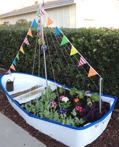 Incomparable Vegetable Gardening Tips At Your Backyard Ideas. Impressive Vegetable Gardening Tips At Your Backyard Ideas. Growing Herbs, Growing Vegetables, Growing Greens, Gardening Vegetables, Backyard Projects, Garden Projects, Garden Ideas, Types Of Mulch, Boat Bed