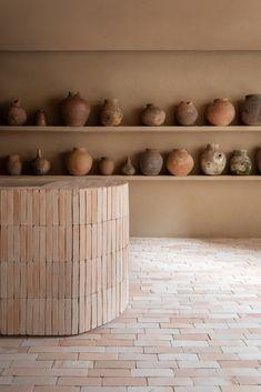 Contemporary Architecture, Interior Architecture, Interior Design, Studio Foto, Yoga Studio Design, Yoga Studio Interior, Retail Design, Earth Tones, Terracotta