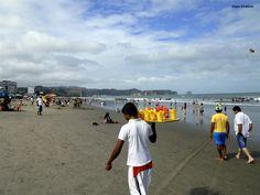 Playa de Atacames, Esmeraldas, Ecuador http://www.lageoguia.org/playa-de-atacames-esmeraldas-ecuador/