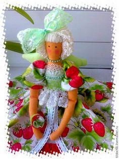 Купить Садовая Фея Земляничка_Кукла в стиле Тильда - салатовый, зеленый, красный, белый, земляничный, земляничка ♡