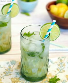 Minty Pear Mojito! The Perfect Cocktail for fall! - The Cookie Rookie