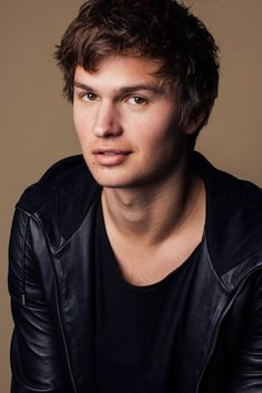 27 Things We Learned On Set With Ansel Elgort Boy Celebrities, Hottest Male Celebrities, Beautiful Celebrities, Beautiful Men, Cute Celebrity Guys, Celebrity Airport Style, Celebrity Crush, Ansel Elgort Baby Driver, Demi Lovato