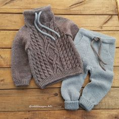 Pink Baby Cardigan With Hook Knitting Knitted - Diy Crafts - maallure Baby Boy Knitting Patterns, Knitting For Kids, Baby Patterns, Girls Sweaters, Baby Sweaters, Baby Boy Outfits, Kids Outfits, Pull Bebe, Knitted Baby Clothes