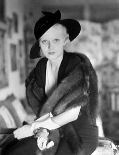 Jean Harlow - almost makeup free and hauntingly beautiful