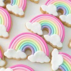 Galletas arco iris para fiesta de lluvia de amor