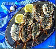 Και οι παντρεμένες έχουν ψυχή………..  Υλικά 1 κιλό σαρδέλα χονδρή ή σαρδελομάνα γέμιση 2 ντομάτες τριμμένες 4-5 σκελίδες σκόρδο σε πο... Greek Recipes, Desert Recipes, Yummy Food, Cookbook Recipes, Cooking Recipes, Cod Fish Recipes, Greece Food, Dessert, Kitchens