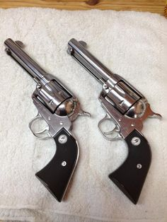 Ruger SASS Vaqueros in Magnum I love em These are special because they can also shoot 38 special (cowboy load) Weapons Guns, Guns And Ammo, Animation Movie, Ruger Revolver, Single Action Revolvers, Winchester, Gun Holster, Holsters, Cowboy Action Shooting