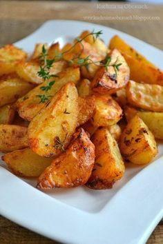 kuchnia na obcasach: Pieczone ziemniaki z piekarnika ze świeżym tymiankiem Helathy Food, Can I Eat, Good Food, Yummy Food, Roasted Meat, Turkish Recipes, Side Dish Recipes, Food Photo, Food And Drink