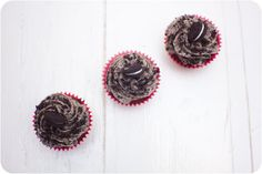Double Stuff Oreo Brownie Cupcakes with Oreo Cream Cheese Frosting via Cupcake Crazy Gem!