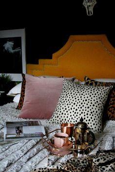 boho glam bedroom in black yellow and blush pink Boho Glam Schlafzimmer in Schwarz Gelb und Rouge Rosa Pink Bedroom Decor, Glam Bedroom, Pink Bedrooms, Home Bedroom, Modern Bedroom, Bedroom Ideas, Bedroom Designs, Bedroom Black, Bedroom 2018