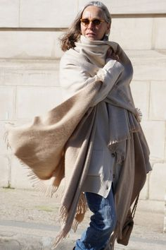 lots of layers from off-white until beige, for days you feel like hiding from the world