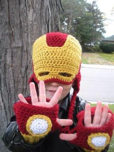 Iron Man Inspired Crochet Mask Hat by Jennifer Romphf - Craftsy Crochet Mask, Crochet Beanie Pattern, Crochet Mittens, Crochet Gifts, Crochet Toys, Free Crochet, Crochet Character Hats, Crochet Costumes, Iron Man