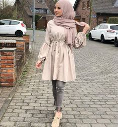 Image about fashion in Hijabiiiista 😌👑 by Amany – Hijab Fashion 2020 Hijab Fashion Summer, Modest Fashion Hijab, Modern Hijab Fashion, Muslim Women Fashion, Street Hijab Fashion, Hijab Fashion Inspiration, Islamic Fashion, Mode Inspiration, Modesty Fashion
