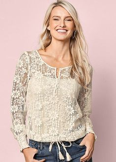 Lace never goes out of style! Venus lace drawstring top with Venus seamless cami, Venus color skinny jeans and Venus high heel strappy sandal. Venus Clothing, Colored Skinny Jeans, Blouse Dress, Peasant Tops, Lace Tops, Passion For Fashion, Long Sleeve Tops, Ideias Fashion, Fashion Looks