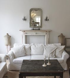 Interiors and decorations Shabby, White Rooms, Country Style, Slipcovers, Entryway Bench, Ikea, Cottage, Couch, Living Room