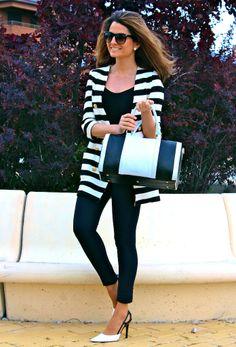 Fashion and Style Blog / Blog de Moda . Post: LESAINT & Oh My Looks : Design your own handbag / LESAINT y Oh My Looks : Diseña tu propio bolso .More pictures on/ Más fotos en : http://www.ohmylooks.com/?p=22375 I wear/LLevo: Handbag / Bolso : LESAINT, Leggings : Bershka ; Sunglasses/Gafas de sol : Mango ; Shoes/Zapatos : Pilar Burgos (new collection)