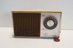What Dad wouldn't love a vintage transisitor radio!