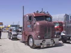 1954 Peterbilt 350 Bull Nose Cab Over Mack Trucks, Big Rig Trucks, Old Dodge Trucks, Peterbilt Trucks, New Trucks, Cool Trucks, Peterbilt 379, Classic Tractor, Classic Trucks
