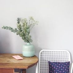 Image of Vase boule menthe