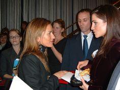 Mercedes Lopez Caparros y Rania de Jordania en NY en 2001